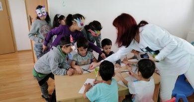 Návšteva MŠ- Školáci čítajú škôlkarom